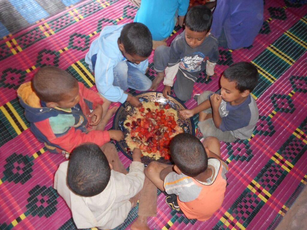 enfants qui mangent